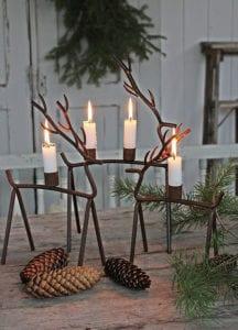 rustikale-weihnachtsdeko-selber-machen-mit-naturmaterialien-und-rentier-teelichthalter
