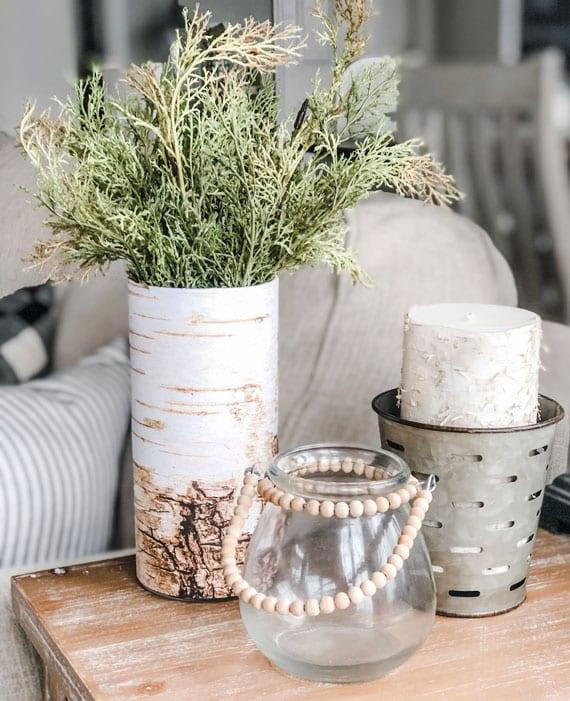 coole winter dekoideen mit vasen und kerzen in birkenoptik