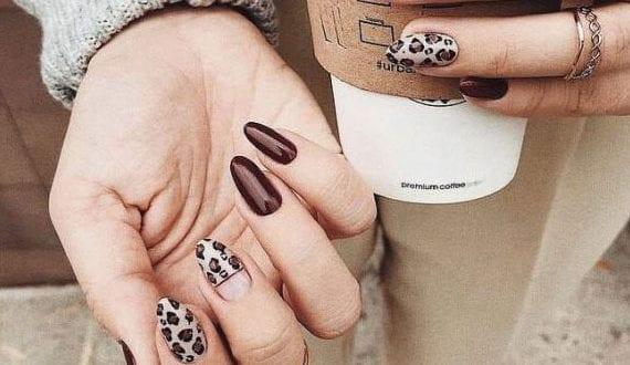 elegante-maniküre-für-herbst-und-winter_winter-gelnägel-mit-mit-leopard-muster