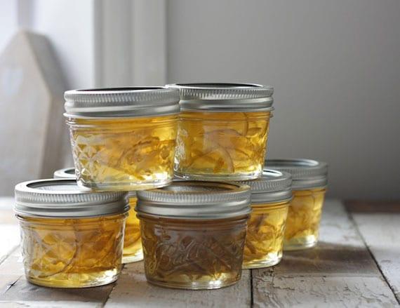 rezept für Limetten-Gin-Marmelade als idee für tolles Weihnachtsgeschenk aus der Küche