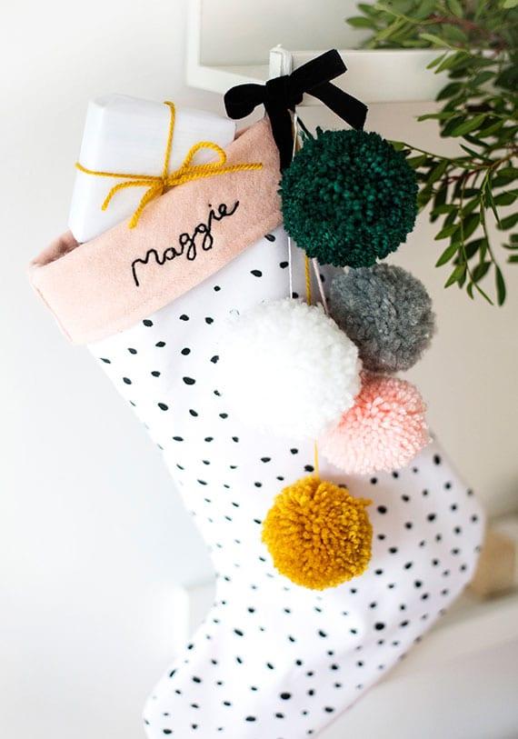 anleitung für diy weihnachtsstrumpf aus filz