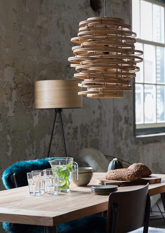lampen aus rattan runden den natural look eines raumes perfekt ab