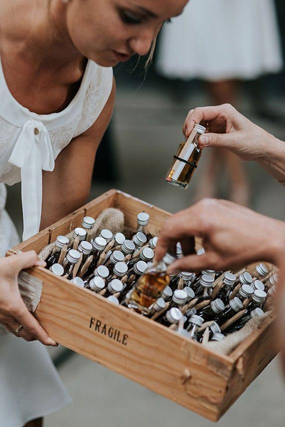 Alkohol Getränke als colle Gastgeschenke zur hochzeit