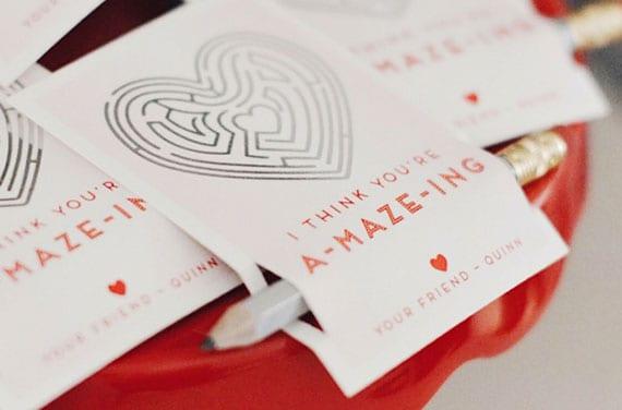 herz-Labyrinth Valentinskarten basteln und mit Bleistift verschenken