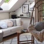 ein kleines wohnzimmer unter dachschräge modern und stilvoll einrichten