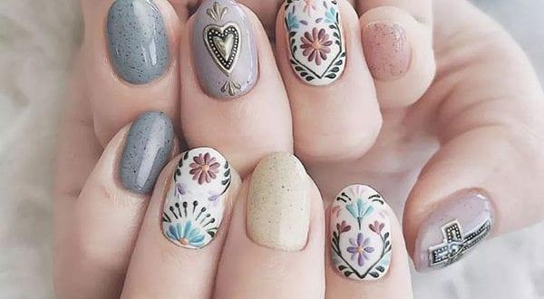 20+ Nageldesign Ideen für eine attraktive Nagelgestaltung in Boho-Stil