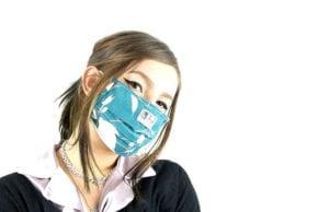 DIY-Atemschutzmaske-aus-Textil-oder-einfachen-Haushaltsmitteln-gegen-Coronavirus-COVID-19