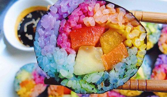 einfahe-und-coole-rezeptideen-für-buntes-party-essen-in-regenbogenfarben
