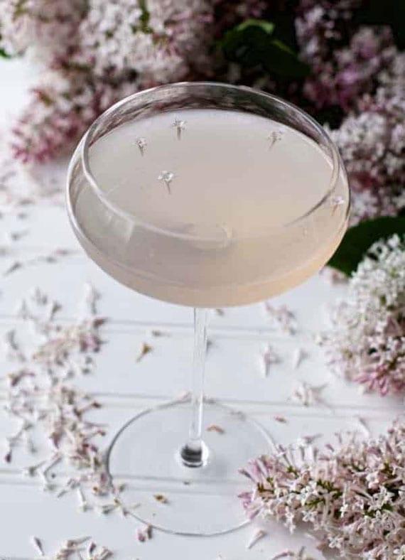 interessante und leckere cocktail rezepte mit flieder
