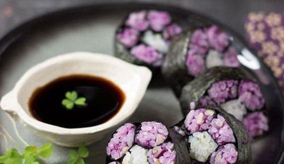 super-coole-rezeptideen-für-buntes-essen_sushi-rollen-mit-buntem-reis