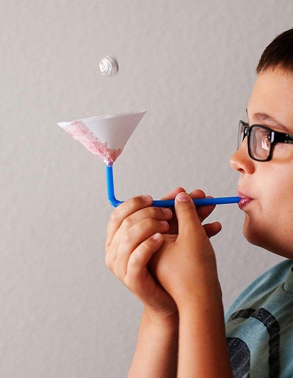 die schwende kucgel als tolles experiment und kinderspiel