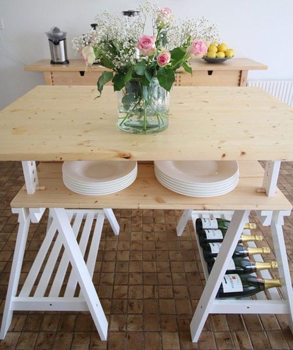 eine praktische kücheninsel und frühstücksbar mit ablagen selber bauen aus zwei ikea beinböcken