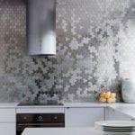 die kücherückwand als spritzschutz und effektvolle akzentwand in der küche