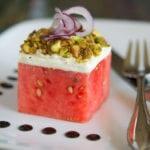 rezept für sommersalat mit wassermelone, ziegenkäse und gesalzenen pistazien