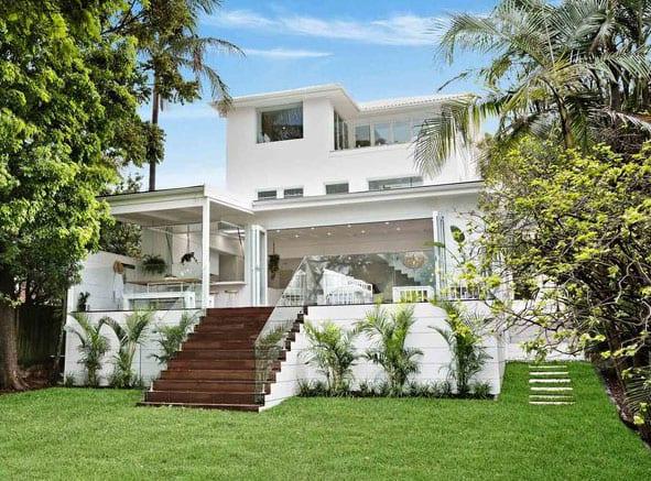 dreigeschossiges einfamilienhaus renovieren und neu gestalten in weiß