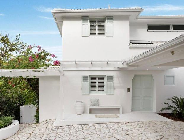kreative renovierung und umbau von einem dreigeschoßigen einfamilienhaus in mediterranen stil