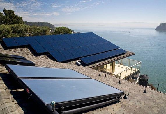 Dach energieeffizient sanieren und modernisieren mit Gasheizung oder Solarthermieanlage