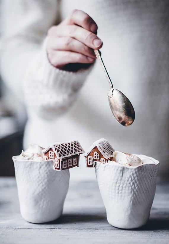 ideen aus der lebkuchenwelt zum Servieren leckerer Heißgetränke mit Kekse