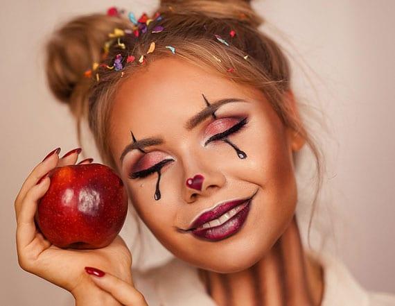 niedliche clown schminke als idee für last minute halloween look