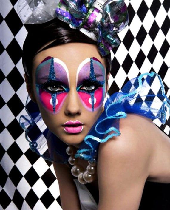 buntes Pierrette Make-up in lila und pink mit glitzer-akzent