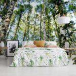 Schlafzimmer ideen mit realistischen wald fototapeten für eine wohnliche atmosphäre
