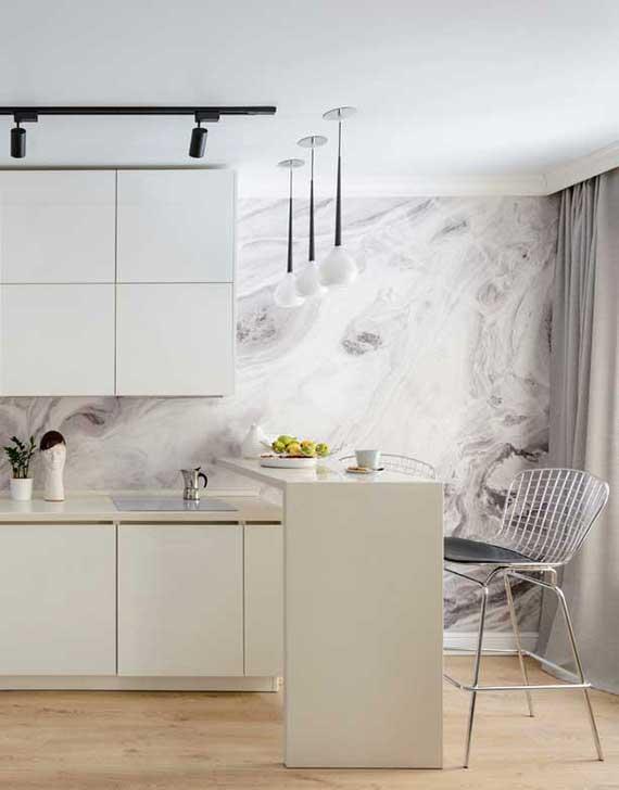 küchentapete mit abstrakten motiven als besonderer akzent und stylische küchenrückwand für ein modernes und schlichtes raumkonzept