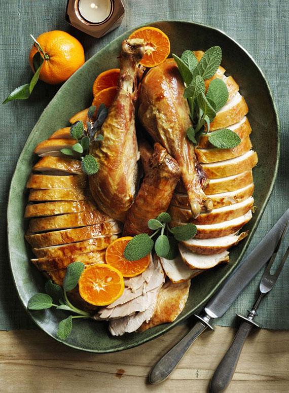 ideen für köstliches weihnachtsessen mit fleisch_einfaches rezept für Truthahn mit salbei und orangen