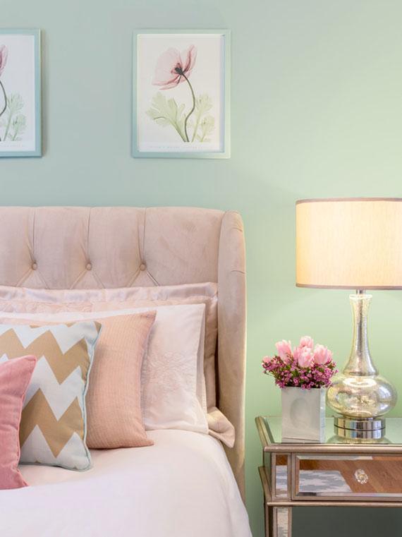 bei schlafzimmereinrichtung im kommenden Jahr werden zarte Rosatöne sowie florale Prints zum Trend