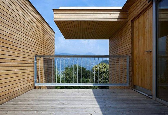 das richtige Bodenmaterial für Terrasse und Balkon wählen