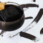 einfache und gesunde rezepte für schwarze detox drinks mit aktivkohle