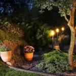 mit passender leuchten die sitzecke im außenbereich wohnlicher und gemütlicher abends machen