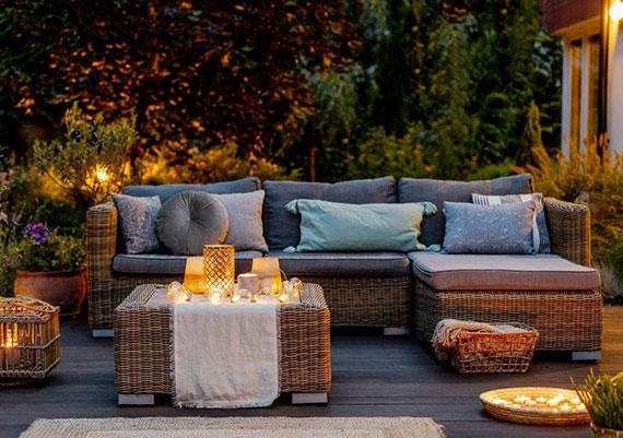 diese Tipps für passende Terrassenbeleuchtung schaffen Atmosphäre und Wohnlichkeit