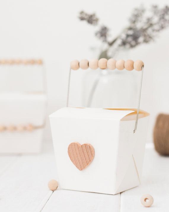 Foodbox mit Metall Henkel als kreative Geschenkverpackung für kleine Geschenke und Gutscheine Valentinstag