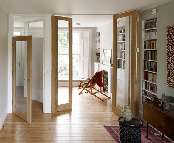 dank der Öffnungsrichtung der Zimmertüren Platz gewinnen oder mehr Licht in einen Raum lassen