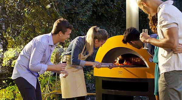 Die ultimative Pizza Party im Garten veranstalten