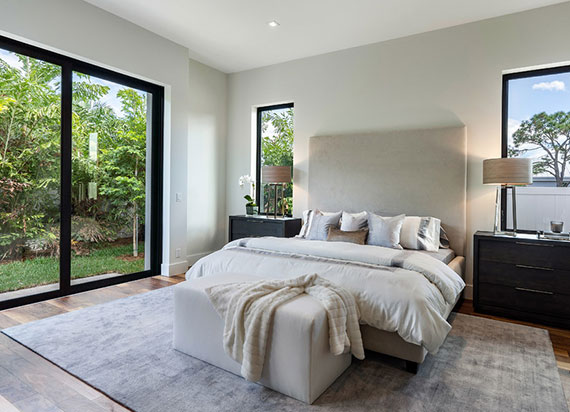 eine Bettdecke mit Daunenfedern sorgt für den Feuchtigkeitstransport vom Körper weg sowie zum Temperaturausgleich innerhalb der Decke