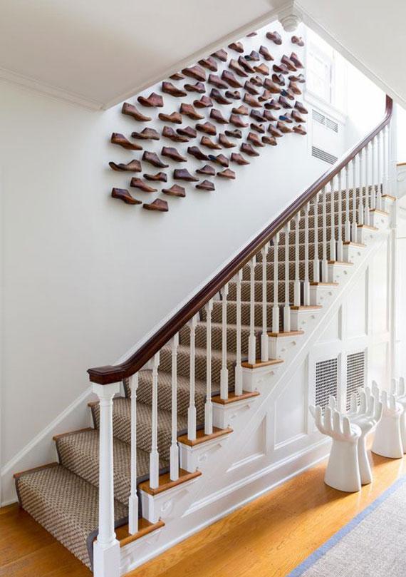 Leisten Wandkunst Idee für ausgefallene Dekoration einer Treppenwand