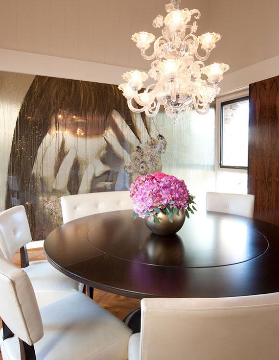 ein runder Esstisch stellt immer eine moderne Ergänzung für Küchen oder Essbereiche