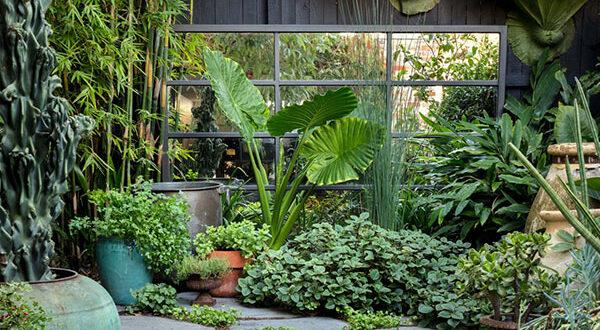 Gartenspiegel – Ein großartiges Dekorationsdetail für draußen