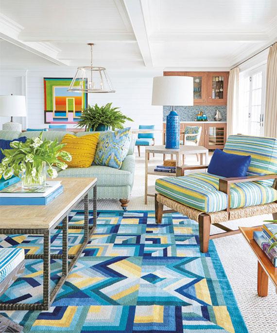 mit einem bunten Teppich schaffen Sie Kontraste oder Harmonie im Farbdesign
