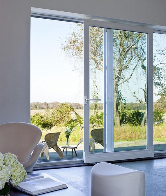 Fenstertüren mit Hebe Schiebe System verleihen jedem Innenbereich hohe Raumqualität