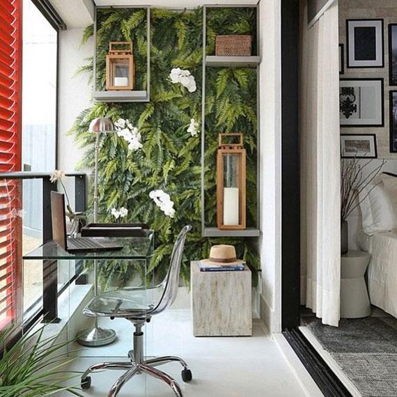 eine terrasse mit vertikelm garten und verglasung eignet sich hervorragend für Arbeitsplatz