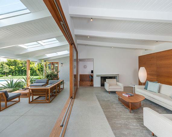 ob aus Kunststoff, Holz oder Alu ermöglicht eine HST Balkontür große Fläche der Verglasung und somit eine nahtlose Verbindung zwischen innen und außen
