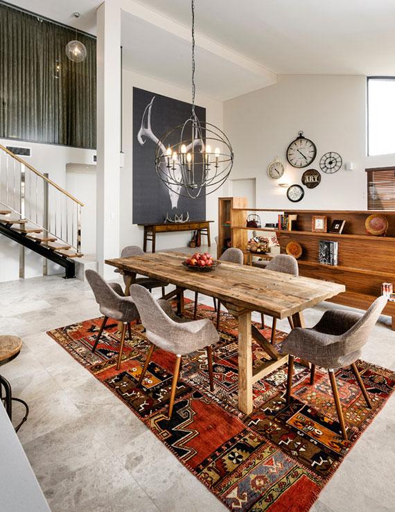 Teppiche definieren unterschiedliche Wohnbereiche und sorgen für mehr Gemütlichkeit und einen schönen Farbakzent im Raum