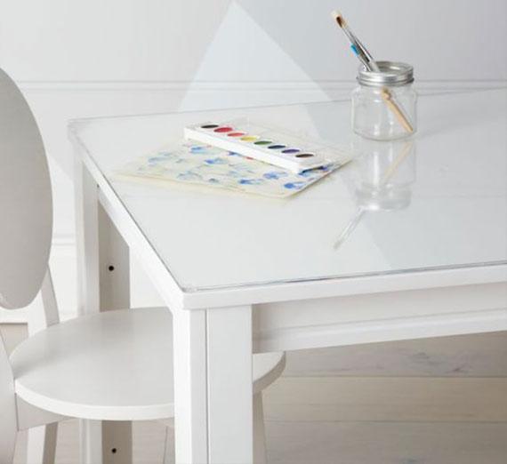 Schutzfolien für Tische sind eine elegante und passende Lösung auch fürs Kinderzimmer