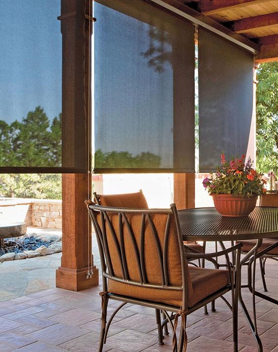mit Seitenmarkisen erhalten Sie einen idealen Windschutz für die Seitenwinde einer Sitzecke im Garten