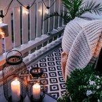 der Balkon in romantische Sitzecke im Freien verwandeln