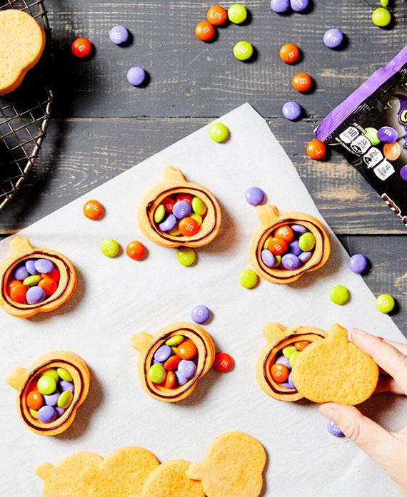 schaurig-schöne Leckereien für die perfekte Gruselparty zu Halloween selber zubereiten
