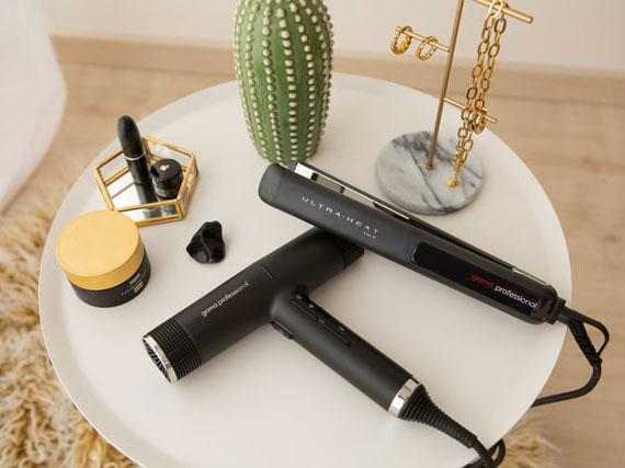 durch den Verzicht auf das Glätteisen oder den Lockenstab für ein nachhaltiges Haar Styling sorgen
